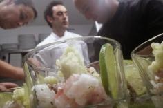 Ceviche rodeado de Tabo, Fernando Helado y Sonia