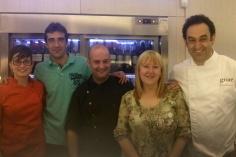 Iván, Tabo de cafetería Victoria, Elena enóloga de Bodegas Campo Viejo y fernando de Obrador Grate