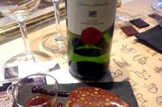 Volauvent de pisto con esferificación del vino y vino blanco Pagos de Leza